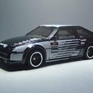トヨタAE86スプリンター・トレノのホットウィール白黒ファルケンカラー