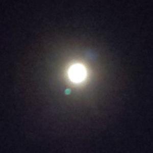 今宵は中秋の名月の満月です。素敵な奇跡が起こりました。