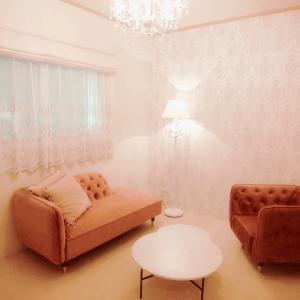 暗く狭い和室が華やかなサロン空間に!愛知・結婚相談所サロン