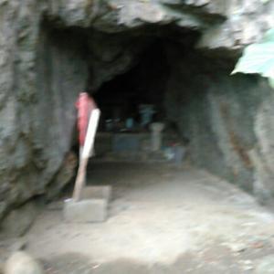 最御崎寺の奥ノ院とされる観音窟