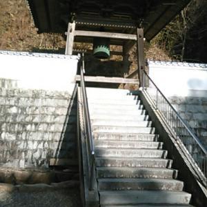 大窪寺二天門近くでバスから降りたが、仁王門へ向かった。