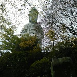 高崎の大観音像は慈眼院の境内にあります