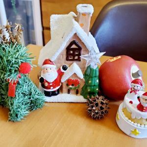 テーブルにクリスマス