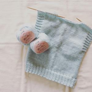 出産祝いのベビーベスト編み始めました