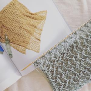 母の日のショールを編み編み
