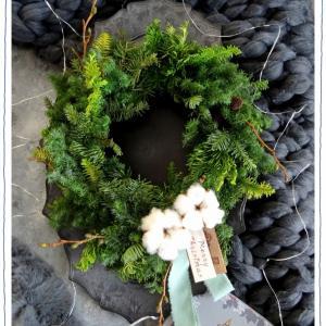 フラワー教室 * 11月『森の香りクリスマスオーバルリース作り♪』