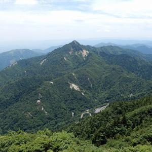 武平峠から登る御在所岳