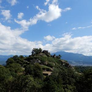 巨石に築かれた山城、苗木城跡