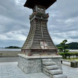 元禄時代の和式灯台「みたらい燈籠堂」(山口県光市室積)