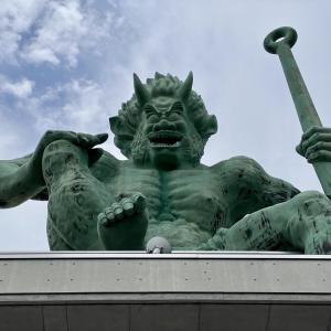 巨大な鬼がお出迎え「おにっ子ランド」(鳥取県伯耆町)