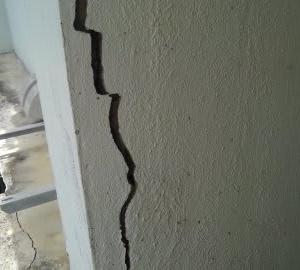 外壁塗装は汚れる?・・・・ペンキ屋さんが言うか!