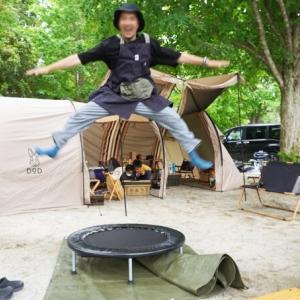 Myトランポリンがあればいつでもキャンプ場で跳べる ~ 自宅ではトレーニング器具として活躍
