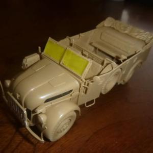 ドイツ 大型軍用乗用車 シュタイヤー 1500A/01 アフリカ軍団休息セット 素組立