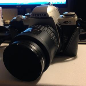無職が段ボール漁ってカメラを見つけた話