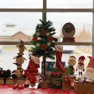 笑顔いっぱいの初ユタ州沖縄県人会クリスマスパーティ