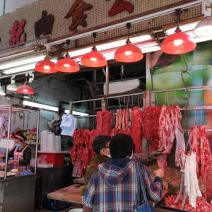 美味しいお肉はローカル市場で。
