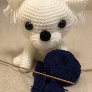 ちわわんこの編みぐるみ。
