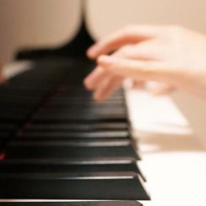 ピアノはやっぱり、普通の(電子ピアノでなく)がいいですか?