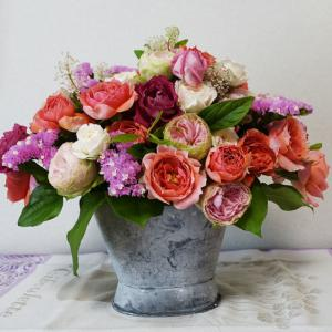 ブッケ ド ローズ・バラの花束のアレンジメント