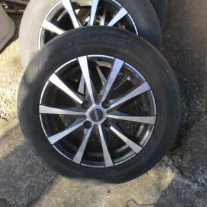 アルミホイール磨きはボディークリーナー|タイヤ嵌め変え前にすべし