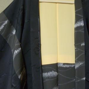 【黒紋付羽織をおしゃれ羽織にお直し】