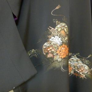 【絵羽織、コート、黒紋付の3枚から1枚の羽織コート】