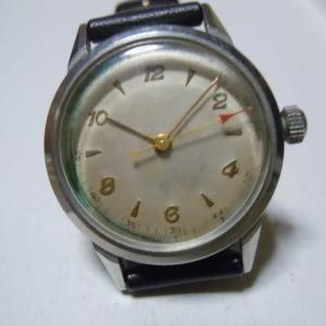 無名のバンパー時計。