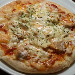 冷凍ピザで手抜き
