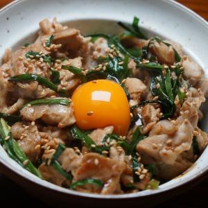甘辛ニラ豚丼