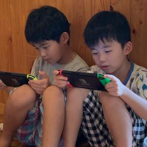 ゲーム三昧の子供達