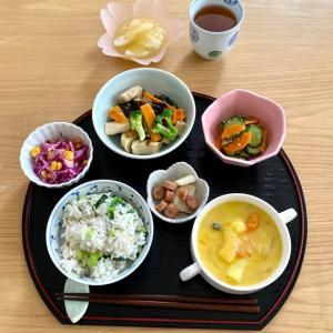 助産院の昼ごはん 乾物、缶詰で鉄メニュー