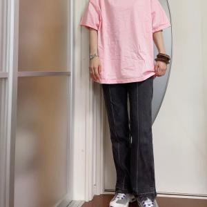 Tシャツにデニムのシンプルコーデに合う小物の選び方①
