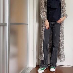 礼服を普段着に、重ね着で乗り切る季節の変わり目コーデ