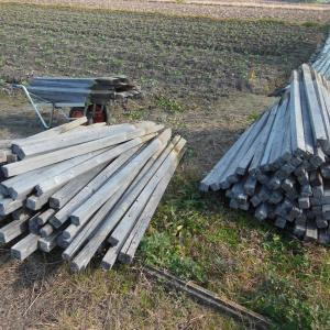 なす畑、木杭回収運搬