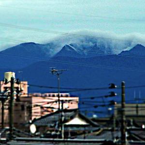 雲降りる山々…⁉