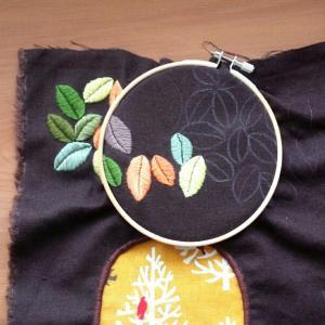 葉っぱの刺繍と刺し子ふきん*一目刺し*菊の花