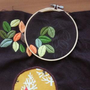 葉っぱの刺繍続き