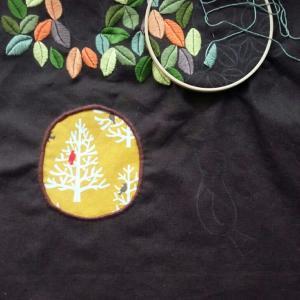 葉っぱの刺繍途中
