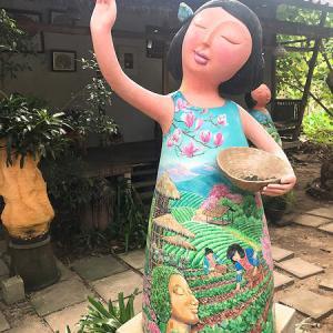 軟禁中(?)最後に抜け出して、Have a Hug Cafe@チェンマイで。
