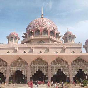 新コロナウィルス予防のために、観光名所ピンクモスクは閉館中。