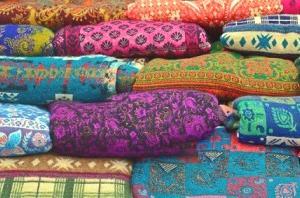 インド綿のフリークロスを無地から柄へ気分転換。