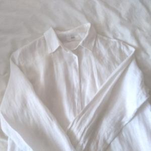 リネンシャツにアイロンは必要か?問題。