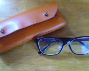 レザークラフト。シンプルなメガネケースを愛用中。