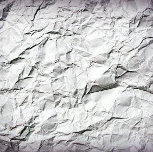 紙の断捨離。どうしても入ってきてしまう紙ゴミはワンツーで捨てる。