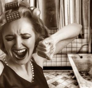 男性はハゲに怯えるが、女性も薄毛に悩む人が多い。頭皮の状態を整えよう。