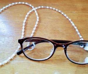 老眼鏡のメガネチェーン。「必須」と言えるくらい便利だと思っていたけど。
