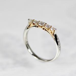煌びやかに輝く・芸術的でお洒落な婚約指輪 雅元町店