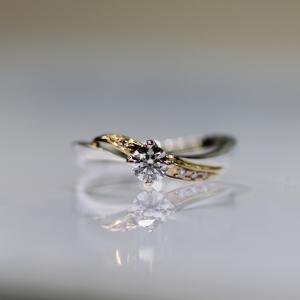 花をモチーフにしたプラチナ×ゴールドの結婚指輪・婚約指輪・雅横浜元町店♪