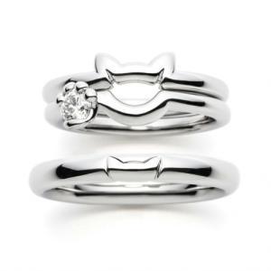 ネコちゃんをモチーフにした結婚指輪・ダイヤモンドを握る手がかわいい婚約指輪・雅横浜元町店♪
