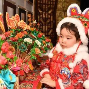 春節ムードを盛り上げる「花饃」 中国・西安市